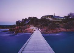 Freycinet Lodge - Coles Bay - Outdoors view