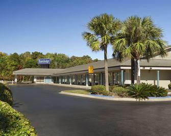 Travelodge by Wyndham Hinesville - Hinesville - Gebäude
