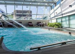 Pullman Rosario City Center Hotel - Rosario - Pool