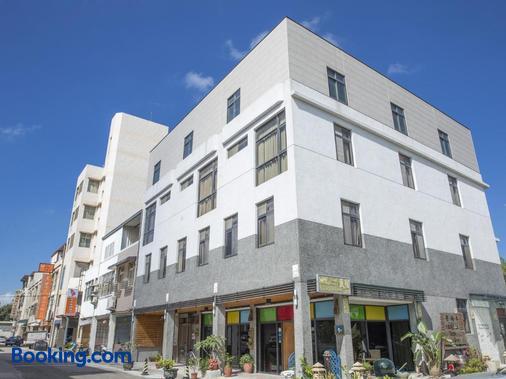 Home & Teak Residence - Jinhu - Building