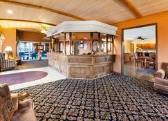 Ramada by Wyndham Mackinaw City Waterfront - Mackinaw City - Lobby