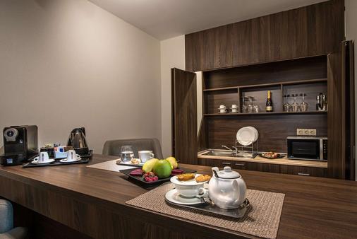 Best Western PREMIER Sofia Airport Hotel - Sofia - Bedroom