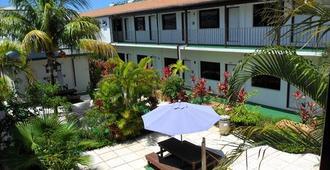 Red Carpet Inn - Nassau - Patio