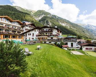 Hotel Gridlon - Pettneu Am Arlberg - Gebäude