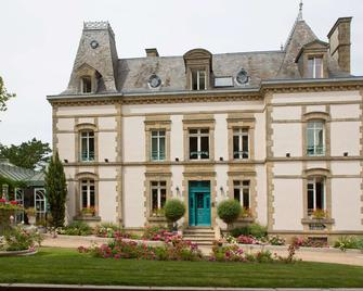Clos de Vallombreuse, The Originals Relais (Relais du Silence) - Дуарнене - Building