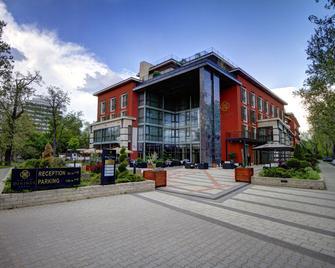 Hotel Divinus - Debrecen - Building