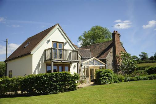 Timberstone Bed & Breakfast - Ludlow - Building