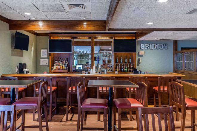 Quality Inn - Perrysburg - Bar