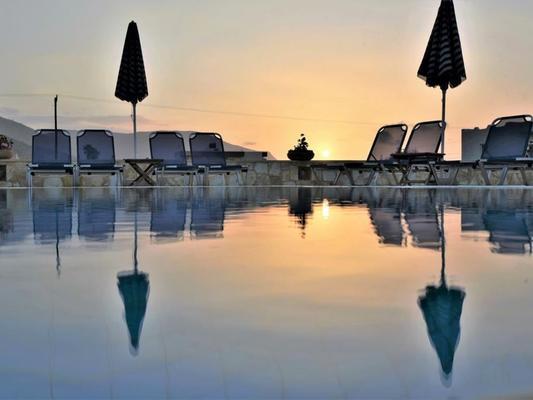 金海灣國際酒店 - 馬利亞 - 瑪麗亞 - 游泳池