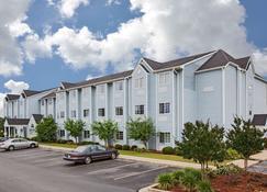 Microtel Inn & Suites by Wyndham Meridian - Meridian - Building