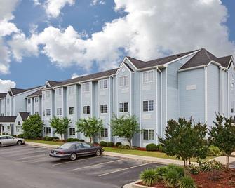 Microtel Inn & Suites by Wyndham Meridian - Meridian - Bina