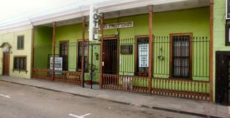 Hotel Casa Del Profesor - Iquique - Building