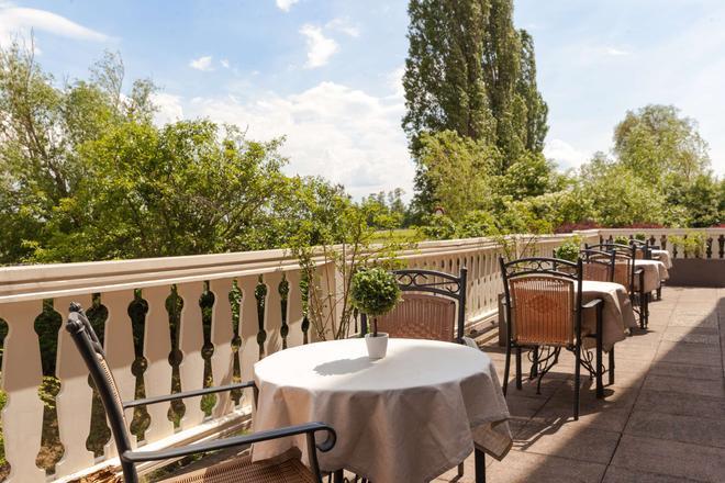 Le Verger des Châteaux, The Originals Relais (Inter-Hotel) - Dieffenthal - Balcony