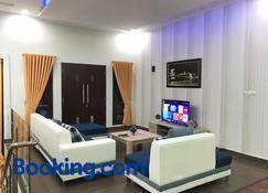 Nariska Suite Homestay Lampung - Bandar Lampung - Living room