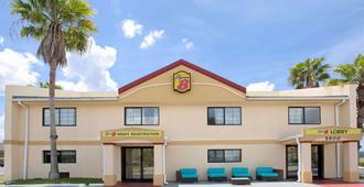 Super 8 by Wyndham Orlando International Drive - Orlando - Edificio