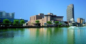 Akita Castle Hotel - Akita - Vista del exterior