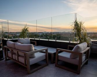 Crowne Plaza Sydney Burwood, An IHG Hotel - Burwood - Балкон