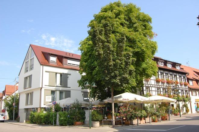 Hotel Weinstube Ochsen - Stuttgart - Building