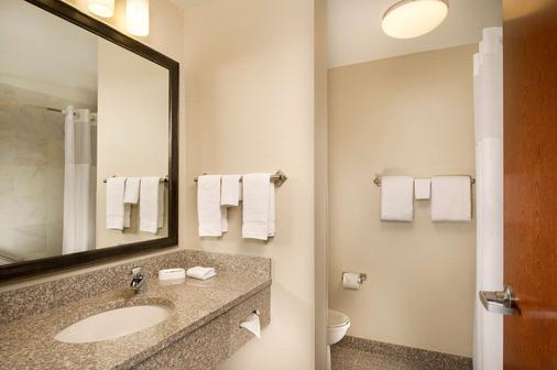 Drury Inn & Suites Valdosta - Valdosta - Μπάνιο