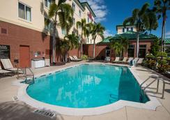 Hilton Garden Inn Tampa Ybor Hist. District - Tampa - Pool