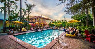Freehand Miami - מיאמי ביץ' - בריכה
