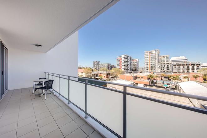 Adina Apartment Hotel Wollongong - Wollongong - Balcony