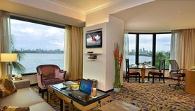 Hotel Marine Plaza - Mumbai - Living room