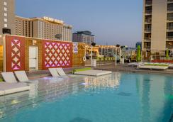 Plaza Hotel & Casino - Las Vegas - Pool