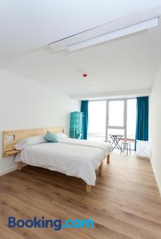 We Hostel Palma - Albergue Juvenil - Palma de Mallorca - Bedroom