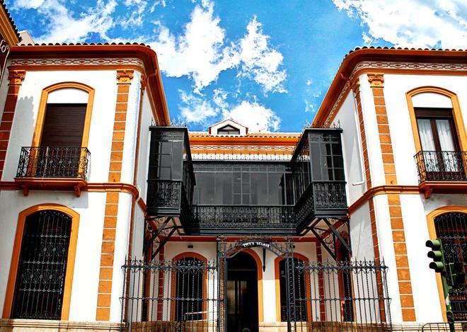 Hotel Villa Maria - Cabra - Building