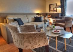 Best Western Plus Hotel Elixir Grasse - Грас - Гостиная
