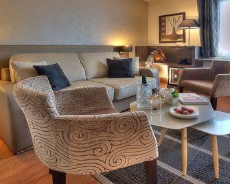 Best Western Plus Hotel Elixir Grasse - Grasse - Obývací pokoj