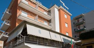 Hotel Lorenzo - Celle Ligure - Building