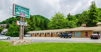 Highland Hills Motel & Cabins - Boone - Building