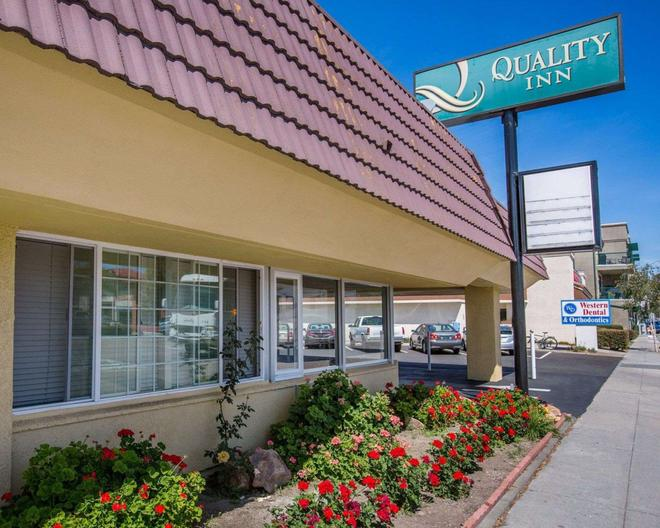 Quality Inn - Santa Cruz - Building