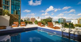 Own Montevideo - מונטווידאו - בריכה