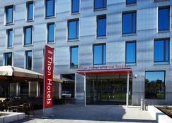 Thon Hotel Ullevaal Stadion - Oslo - Building