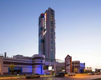 Ramada Encore by Wyndham Izmir - Izmir - Building