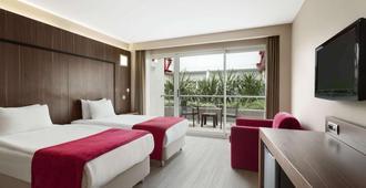 Ramada Encore by Wyndham Izmir - Izmir - Bedroom