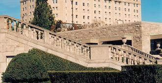 Crowne Plaza Niagara Falls-Fallsview - Niagara Falls - Edificio