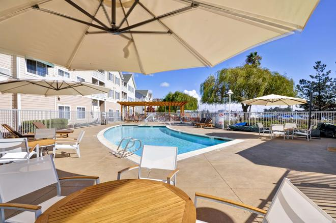 Homewood Suites by Hilton - Oakland Waterfront - Oakland - Uima-allas