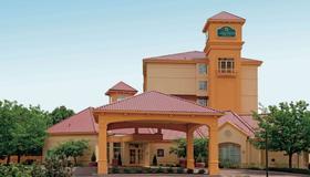 La Quinta Inn & Suites by Wyndham Colorado Springs Airport South - Colorado Springs - Edificio
