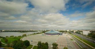 Hotel Arena - Minsk - Außenansicht