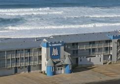 Sandcastle Beachfront Motel - Lincoln City - Rakennus