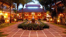Horizon Patong Beach Resort & Spa - Patong - Bâtiment