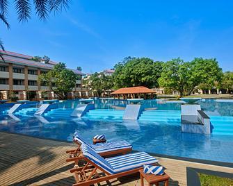 Radisson Blu Resort & Spa Alibaug, India - Alibag - Pool