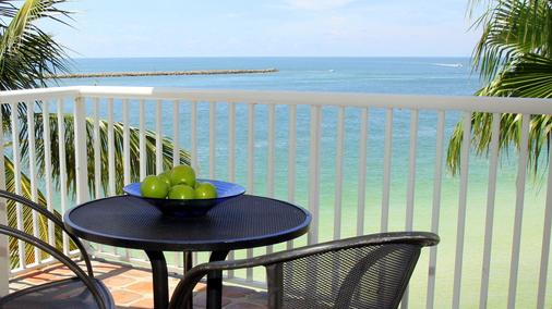 Shephard's Beach Resort - Clearwater Beach - Balcony