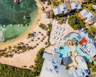 Jewel Paradise Cove Adult Beach Resort & Spa - Runaway Bay - Gebouw