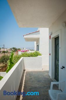 Ilios and Irene - Mastichari - Balcony