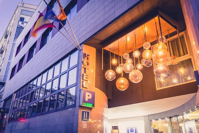 Hotel Ronda Lesseps - Barcelona - Gebouw